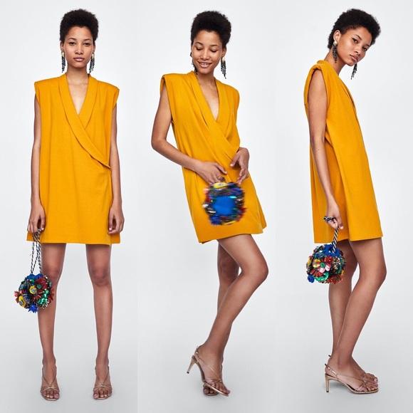 d7e5f5a3 Zara Shawl Collar Dress w/ Shoulder Pads. M_5b90cd7ffb3803c0fffb8da0